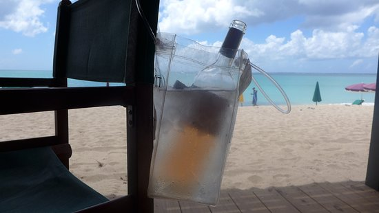 Friars Bay Beach Cafe: A little wine goes a long way!