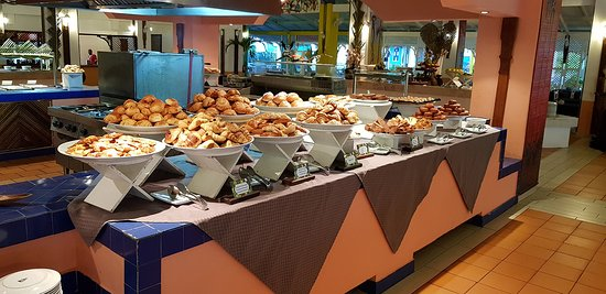 The Ravinala Restaurant - Andilana Beach Resort: Colazione