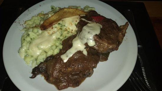 Familia Weiss Restaurant: Cordero