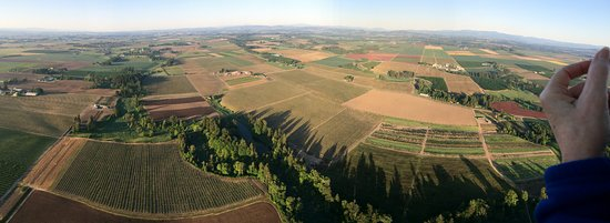 Willamette Valley Balloons: Floating over fields in the Willamette Valley