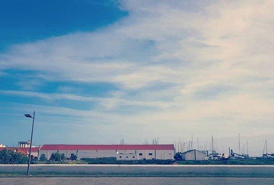 InLuxury Travels: Faro sky painting