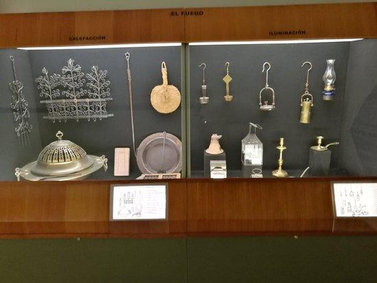 พิพิธภัณฑ์ศิลปะป๊อปปูลาร์และประเพณี, เซวิลยา: Sala de exposiciones.