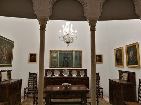 Museum van Kunst en Volkstradities, Sevilla: Sala de exposiciones.