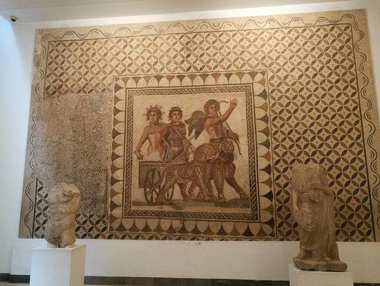 พิพิธภัณฑ์โบราณคดีเซวิลยา: Mosaico romano.