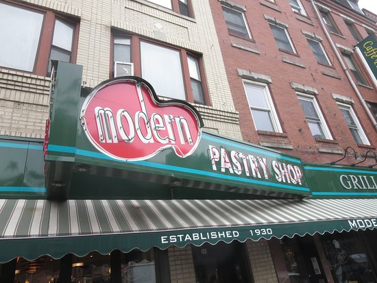 Modern Pastry Shop: Same location and quality as years ago