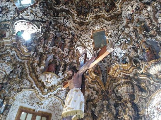 Banos de la Encina, Spain: Imagen del patrón de Baños de la Encina en su esplendoroso Camarín del siglo XVIII