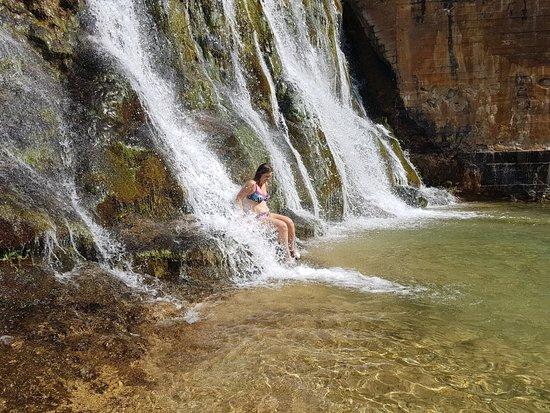 Peralejos De Las Truchas, Spain: Disfruta este verano en casa rurales Chon, las piscinas y playas naturales en Peralejos de las t
