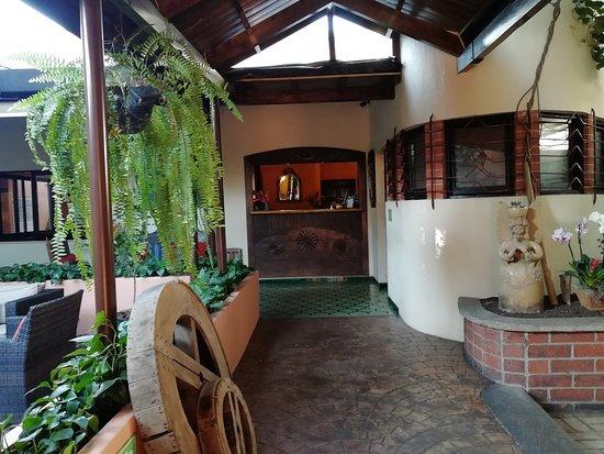 Hotel Ciudad Vieja: Entrada principal