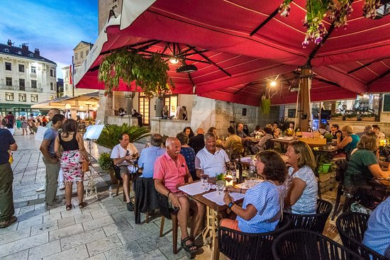 No Stress restaurant: NoStress - beautiful place in a beautiful town
