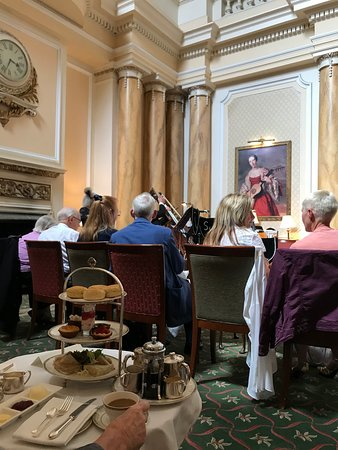 The Grand Hotel Eastbourne: Tea!