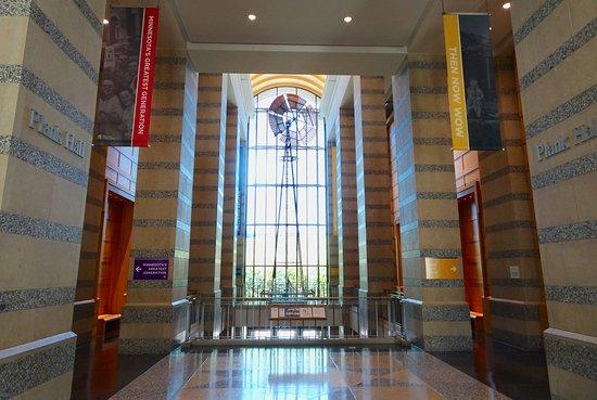 Minnesota History Center: The hall between exhibit rooms