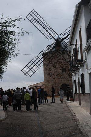 Visita teatralizada al Molino de Viento de Baños de la Encina, Jaén