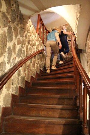 Galata Tower: После лифта - лестница наверх.....