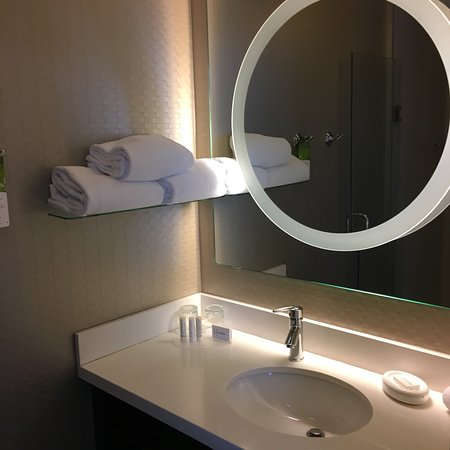SpringHill Suites Toronto Vaughan Photo