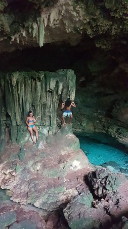Kuza Cave: nice photo spot lol