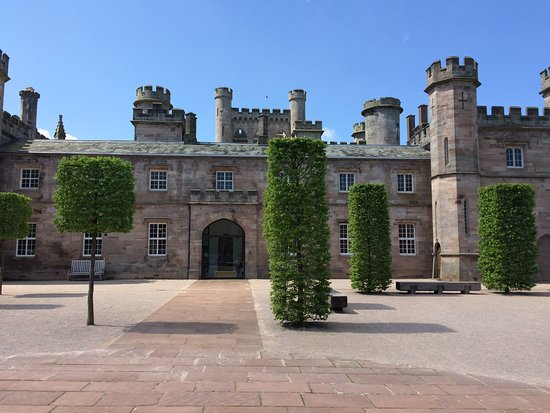 Lowther Castle and Gardens Resmi