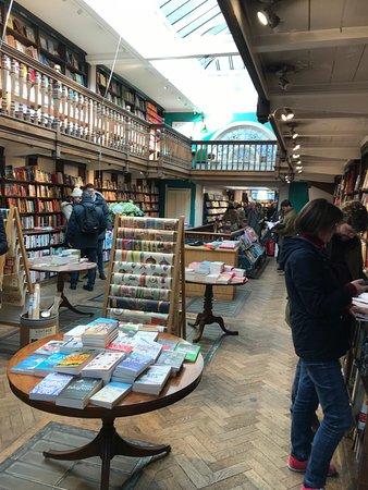 Daunt Books : Main floor