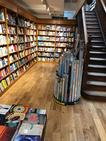 Daunt Books : Lower level