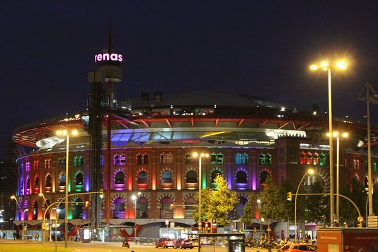 Plaça d'Espanya: The shopping mall (a former bull-fighting ring) on one side of Placa Espanya