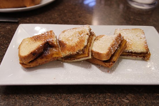 Chocobar Cortés : Grilled Cheese con Chocolate