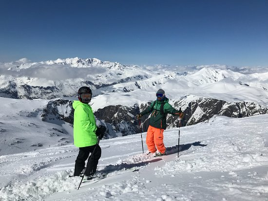 Bonsai Ski: Free-riding at the top of Les Deux Alpes... Marco on the right