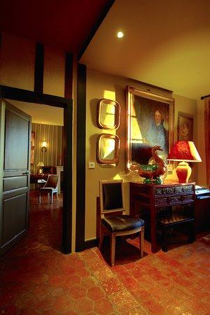 Orne, France: le palier desservant les chambres CLOTILDE et LEON
