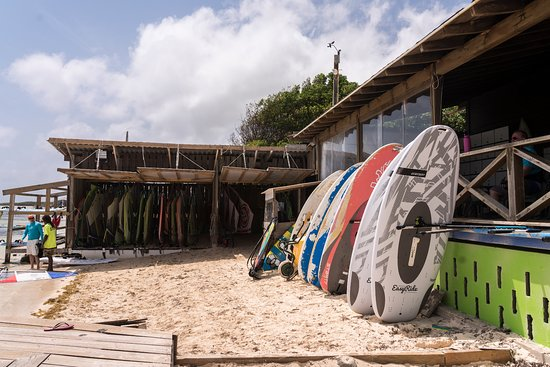 Bonaire Windsurf Place: More boards, just feet from the water