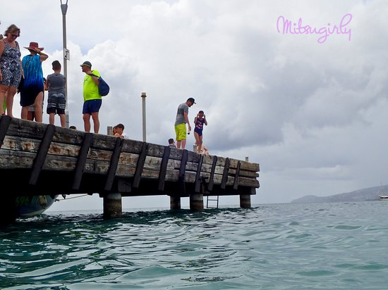 Anse Mitan: the pier and jumping
