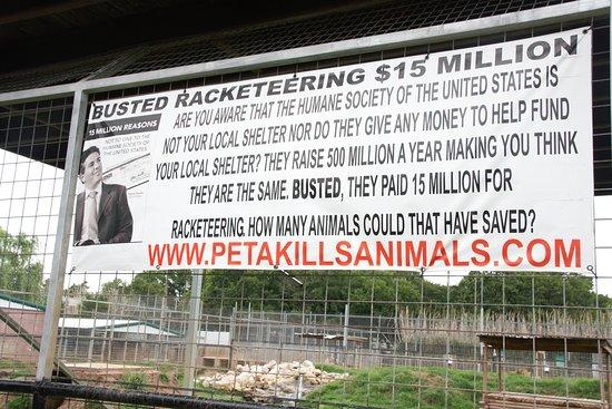 Wynnewood, OK: Anti-PETA sign