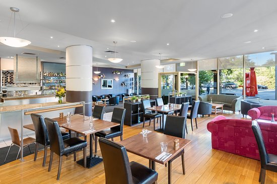 Nesuto Canberra Apartment Hotel: Restaurant - Room Service Available