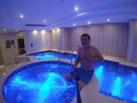 Makati Shangri-La, Manila: Cold tub