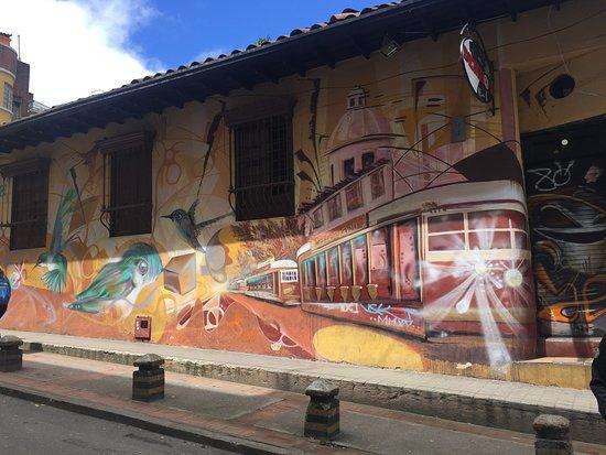 The Original Bogota Graffiti Tour: 1st wall