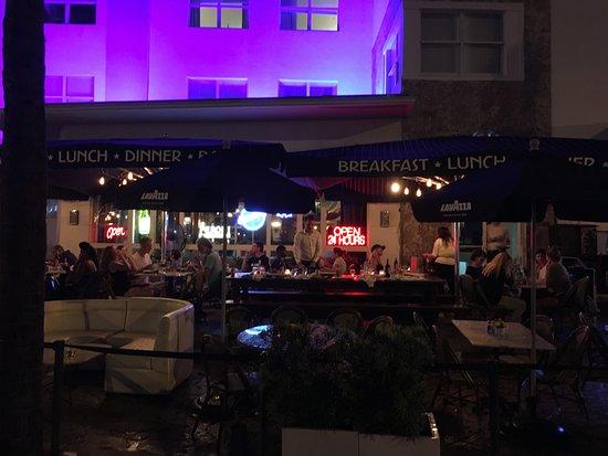 Maxine's Bistro & Bar - South Beach, FL