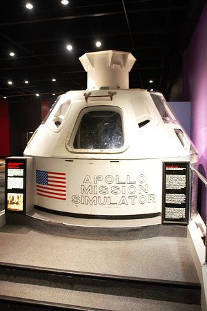 Science Museum Oklahoma: Appollo mission simulator