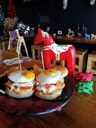 Papaya Burger: Horse Burger Set Menu