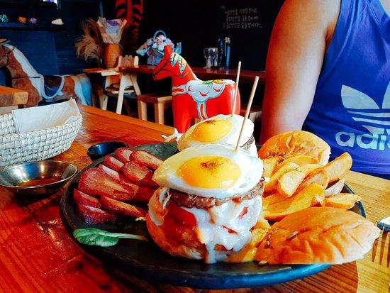 Papaya Burger: Horse Meat Sashimi