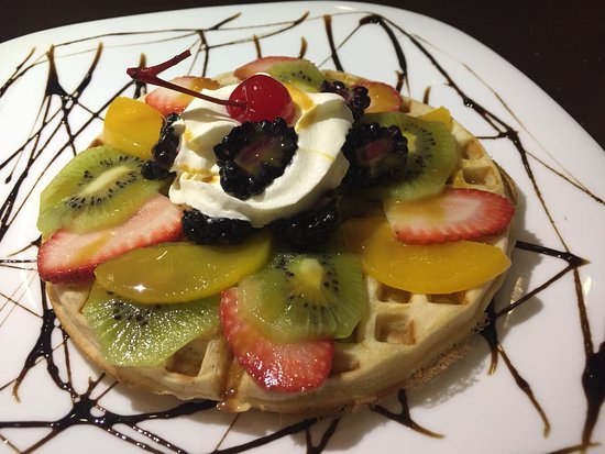 Loops and Coffee: waffle with fruits