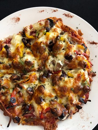 Behan's Bar and Grill: Supreme Pizza (small)