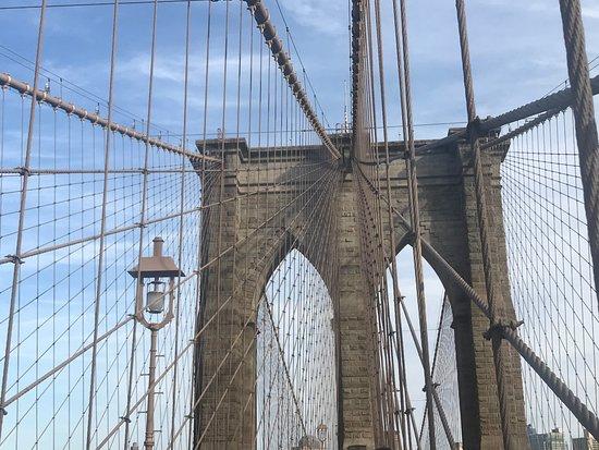 นิวยอร์กซิตี, นิวยอร์ก: Brooklyn Bridge spires