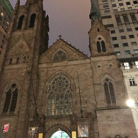 New York by night 👍💗 👏  Rockfeller Center, 5 th Avenue