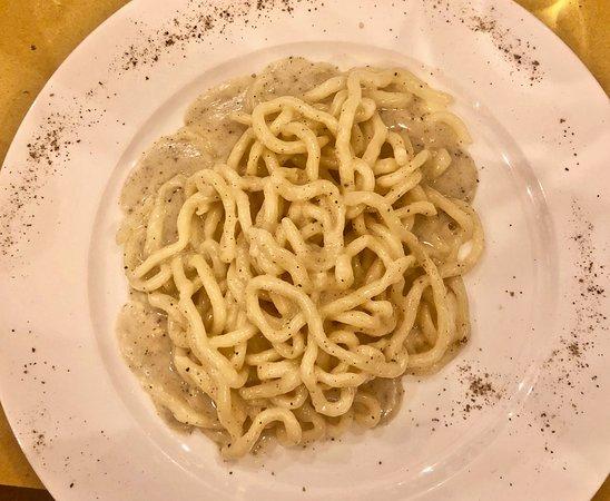 Osteria La Mossa: Cacio e Pepe Pinci Pasta