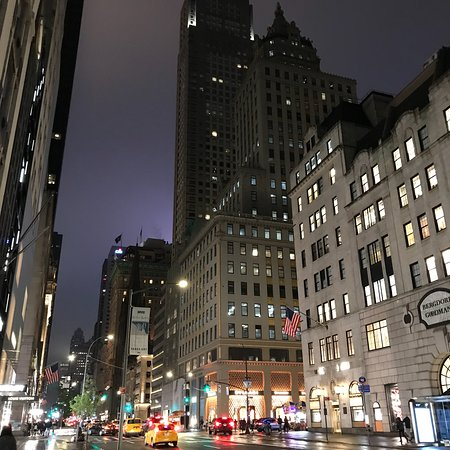 New York by night 👍💗 👏  Trump Tower, 5 th Avenue
