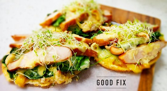 Good Fix South: Homemade Chicken, Brie and Cashew Nut Pizza