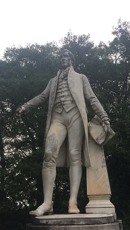 James Monroe's Highland: one of the James Monroe statues