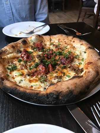 The Manship : Wood-fired sausage pizza