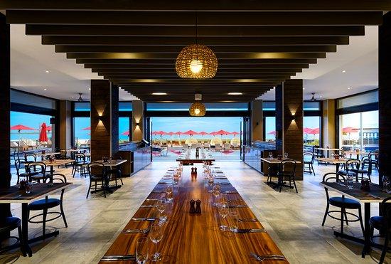 Hilton Fiji Beach Resort & Spa: Koro Restaurant - Adults only dining - Breakfast - Lunch - Dinner