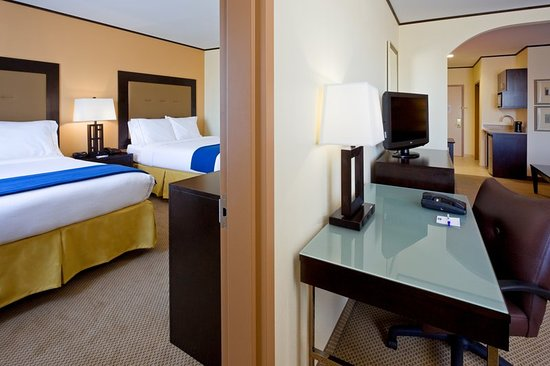 Holiday Inn Express Absecon - Atlantic City Area: Suite