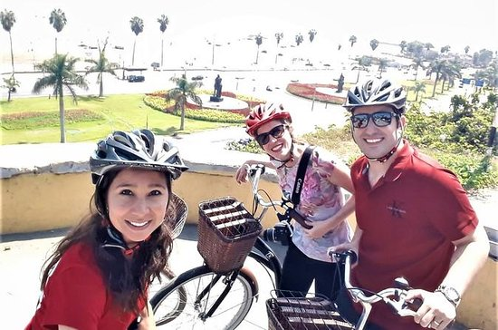 Half-Day Bike, Boat, and Food Tour of...