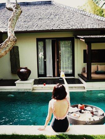 Villa Air Bali Boutique Resort & Spa: Floating Breakfast