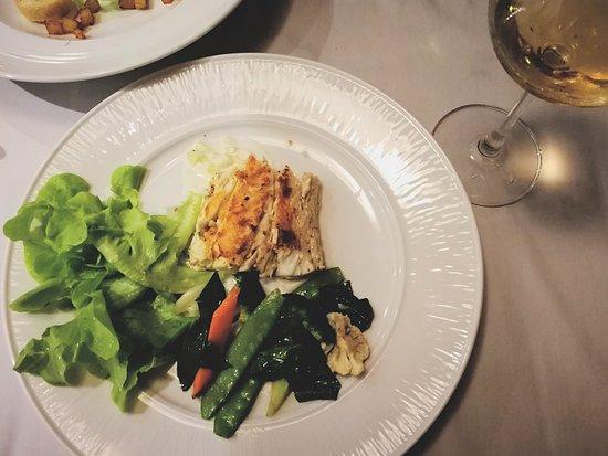 Yin Yang Restaurant: BBQ Barracuda & fried veggies